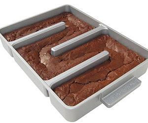 endless-edges-brownie-pan-300x250